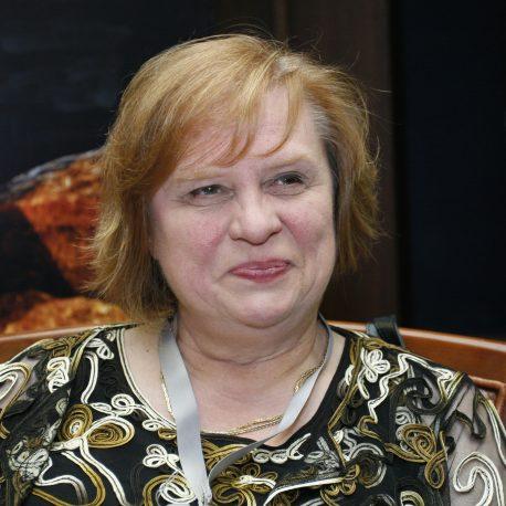 Dr. Corina Hebestreit
